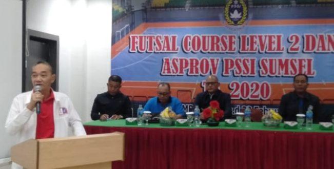 Islah Taufik ketua AFP Sumsel buka kursus wasit level 2 dan 3. FOTO : VIRALSUMSEL.COM