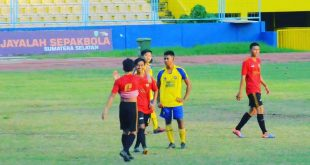 Wahyudi gelandang SMAN 22 Palembang (jersey kuning) lolos seleksi Sriwijaya FC U-18. FOTO : VIRALSUMSEL.COM