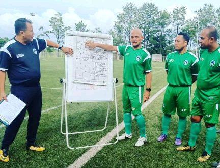 Jarot pelatih Muara Enim Selection. FOTO : VIRALSUMSEL.COM