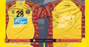 Jersey Sriwijaya FC di ajang Liga Champions Asia milik Alamsyah Nasution laku tinggi. FOTO : VIRALSUMSEL.COM