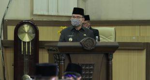 Beni Hernedi Wakil Bupati Muba dalam rapat Paripurna DPRD Muba. FOTO : VIRALSUMSEL.COM