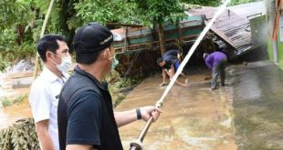SN Prana Putra Sohe Walikota Lubuklinggau kunjungi lokasi banjir. FOTO :VIRALSUMSEL.COM
