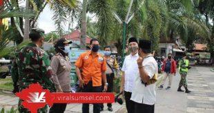 Forkopimcam Bukit Kecil meninjau langsung kesiapan Masjid Agung Palembang dalam rangka dibukanya kembali. FOTO :VIRALSUMSEL.COM
