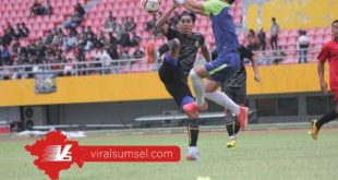 Firman Septian playmaker Sriwijaya FC saat uji coba. FOTO : VIRALSUMSEL.COM