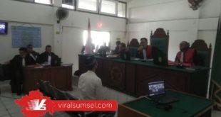 A oknum Sat Pol PP Kota Palembang dituntut pidana selama dua tahun penjara. FOTO :VIRALSUMSEL.COM