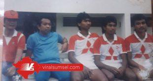 Pelatih Tumpak Sihite, Abdul Kadir, Makmun, Adnan, Kas Hartadi dan Yani pemain KTB Palembang. FOTO : VIRALSUMSEL.COM