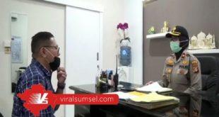 Firdaus Hasbullah salah satu pemeran film di Rumah Bae dalam suatu adegan. FOTO :VIRALSUMSEL.COM