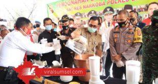 Wali Kota Lubuklinggau H SN Pran Putra Sohe hadiri pemusnahan 1 kilogram barang bukti sabu. FOTO :VIRALSUMSEL.COM