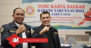 Yudha Novanza Utama bersama Roby Kurniawan usai Temu Karya Daerah, Karang Taruna Sumsel di Hotel Harper. FOTO : VIRALSUMSEL.COM