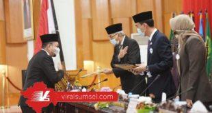 Wakil Gubernur Sumsel H Mawardi Yahya menghadiri rapat Paripurna ke XIV DPRD Sumsel di ruang Rapat Paripurna Gedung DPRD Sumsel, Palembang, Senin (20/7/2020). FOTO :VIRALSUMSEL.COM
