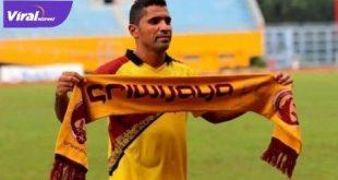 Alberto Gonsalves penyerang naturalisasi asal Brasil saat berseragam Sriwijaya FC. FOTO : ISTIMEWA