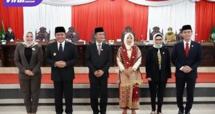 Ersangkut usai dilantik jadi Anggota DPRD Sumsel bersama Gubernur Sumsel Herman Deru dan Pimpinan DPRD Sumsel. FOTO : VIRALSUMSEL.COM