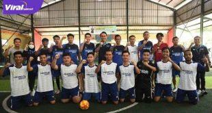 Ferry Rotinsulu pelatih penjaga gawang Sriwijaya FC bersama Mario Aibekob dan Rahel Radiansyah ramaikan turnamen futsal di Ogan Ilir. FOTO : VIRALSUMSEL.COM