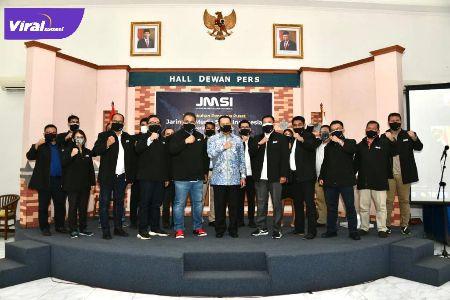 Ketua MPR RI Bambang Soesatyo bersama para pengurus pusat JMSI. FOTO :VIRALSUMSEL.COM