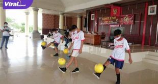 Peserta unjuk gigi diajang Youth Fun Juggling Competition 2020 di Komplek Perkantoran Terpadu, Tanjung Senai, Kabupaten Ogan Ilir. FOTO :VIRALSUMSEL.COM