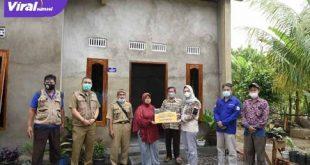 Amaliah Sobli S.KG, MBA Anggota DPD RI Dapil Sumsel sampaikan aspirasi program Bedah Rumah di Kabupaten Banyuasin. FOTO : VIRALSUMSEL.COM
