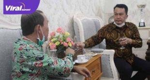 Walikota Palembang H Harnojoyo bincang santai dengan Ketua JMSI Sumsel. FOTO :VIRALSUMSEL.COM