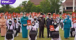Bupati Banyuasin H Askolani kukuhkan 250 CPNS Kabupaten Banyuasin formasi tahun 2019. FOTO :VIRALSUMSEL.COM