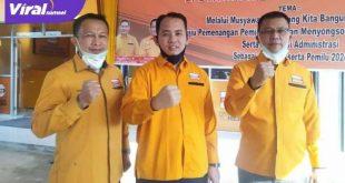 Arie Wijaya didampingi Ketua DPD Partai Hanura Sumsel Ahmad Al Azhar SH dan Sekretaris DPD Partai Hanura Sumsel H Aslam Mahrom. FOTO :VIRALSUMSEL.COM