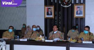 Walikota Prabumulih, Ir H Ridho Yahya MM mengikuti rapat secara virtual bersama Kementerian Pekerjaan Umum dan Perumahan Rakyat (PUPR). FOTO : IST