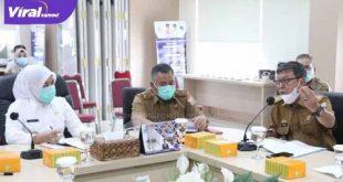 Wakil Walikota Palembang, Fitrianti Agustinda pimpin Rapat Koordinasi Validasi Data terpadu Kesejahteraan Sosial KIS. FOTO : VIRALSUMSEL.COM