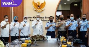 Wakil Gubernur Mawardi Yahya bersama Deputi Pengembangan Setjen Wantannas, Marsda TNI, Drs. Sungkono. FOTO : VIRALSUMSEL.COM