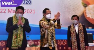 Gubernur Sumsel H Herman Deru saat conference pers usai menggelar RUPS Tahunan Bank Sumsel Babel tahun 2020 di Hotel Fairmont Jakarta. FOTO : VIRALSUMSEL.COM