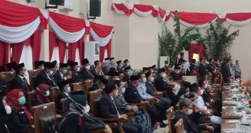 Suasana Anggota DPRD Banyuasin hadiri Rapat Paripurna Istimewa Hari Jadi Kabupaten Banyuasin ke-19. FOTO : VIRALSUMSEL.COM
