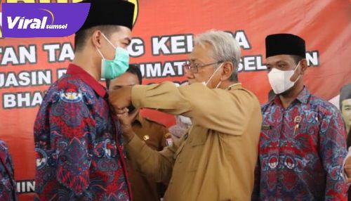 Wakil Bupati Banyuasin H. Slamet Somosentono, SH, hadiri pelantikan PPDI Kecamatan Talang Kelapa Kabupaten Banyuasin. FOTO : VIRALSUMSEL.COM