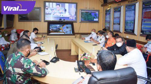 Suasana dialog lintas sektoral secara virtual di Command Center Polres Muba, Rabu (21/04/21). FOTO : VIRALSUMSEL.COM