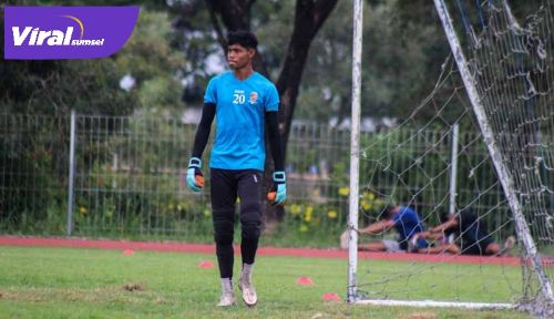 Rudi Nurdin Rajak penjaga gawang Sriwijaya FC. FOTO : MO SFC